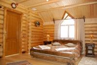 Кровать состаренная 1